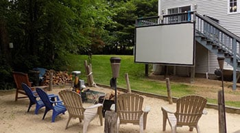 How to Build a Projector Screen at Home